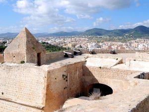 El baluard de Sant Jaume, a la ronda Calvi