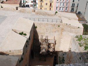 La casamata del baluard de Sant Pere, des de dalt