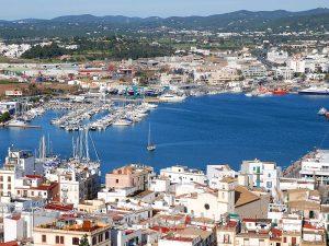 El barri de la Marina i el port, des de les muralles